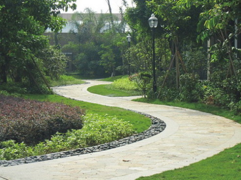 I materiali da giardinaggio in plastica di alta qualità sono offerti ai clienti a prezzi ragionevoli