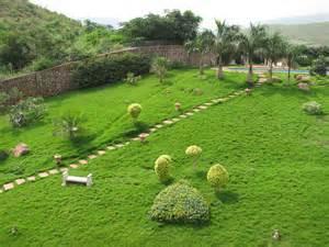 Paesaggistica resa facile con i migliori materiali di giardinaggio