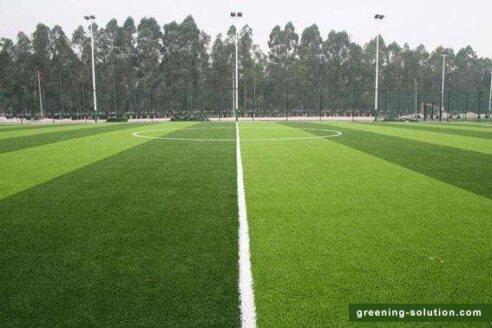 Lawn drainage method of football field